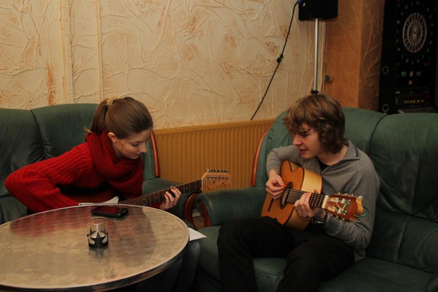 Julia und Christoph beim Üben