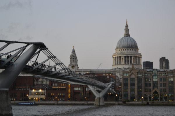 Millenium Bridge und St. Paul´s Cathedral