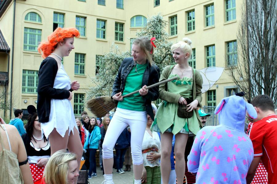 We Will Rock You - Wilma Feuerstein, Bibi Blocksberg und Tinkerbell geben alles